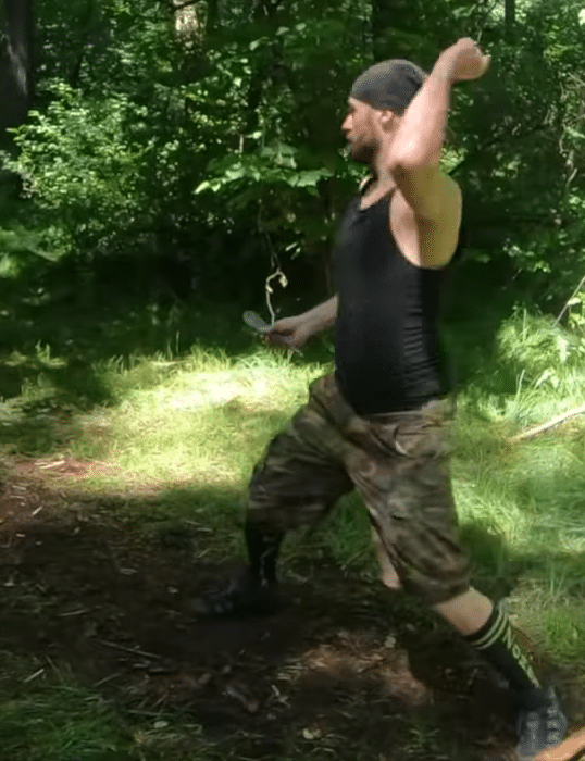 throwing knife technique